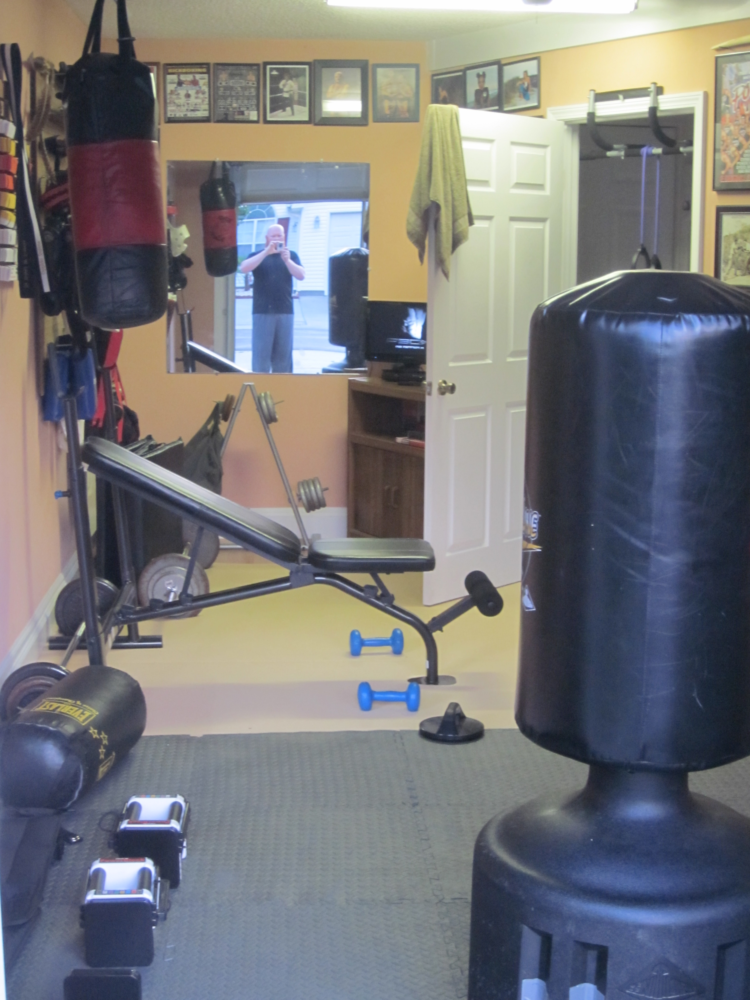 Home boxing gym setup guide workout tips for beginners
